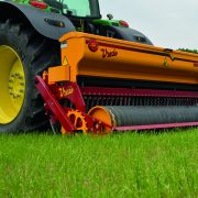 Overseeder requires less power – saving fuel